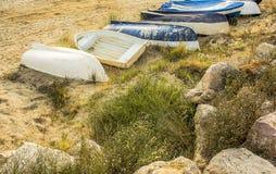 Fartyg som ligger på sanden Fotografering för Bildbyråer
