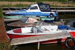 Fartyg som parkerar - tre fartyg på förtöja Royaltyfria Bilder