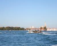 Fartyg som seglar i golfen av Venedig 7 Royaltyfri Fotografi
