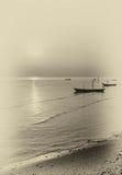 Fartyg som svävar på strandremsan Royaltyfri Foto