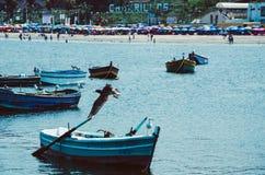 Fartyg, strand och Lima Arkivbild