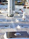 fartygdäcket seglar royaltyfria bilder