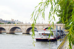 Fartyget av Seinen, Paris Arkivfoto
