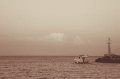 Fartyget går till havet Fotografering för Bildbyråer