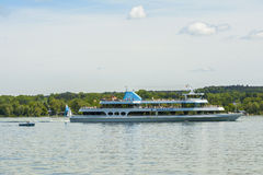 Fartyget på Starnberger ser, Bayern, Tyskland Fotografering för Bildbyråer