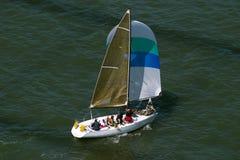 fartyget seglar Arkivbild