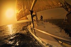 fartyget seglar fotografering för bildbyråer