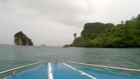 Fartyget ska bli rädd ön Krabi långsam rörelse arkivfilmer