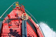 Fartyget turnerar med skuggan av fotografen Royaltyfri Foto