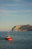 fartygfiskeport som går tillbaka till Royaltyfri Bild