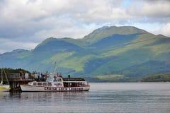 Fartygkryssning på Loch Lomond, Skottland, Förenade kungariket Royaltyfri Foto