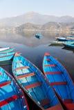 fartyglakenepal pokhara Arkivfoton