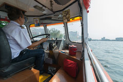 Fartyglopp på den Chao Phraya floden Fotografering för Bildbyråer