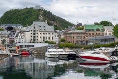 Fartygmarina på Alesund, Norge Arkivfoton