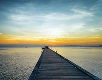 Fartygpir på solnedgången Arkivbilder