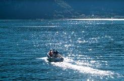 Fartygritt på sjön Como Royaltyfri Foto
