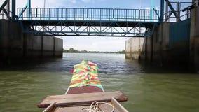 Fartygritt som är scenisk på den Bangpakong floden arkivfilmer