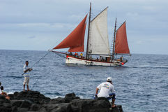 Fartygsegling på kusten av Saint Paul på Lamöte Arkivbild