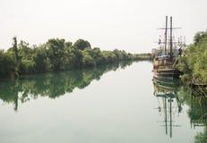 Fartygtur på floden i Turkiet Royaltyfria Foton