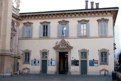 Fasad av den Conservatorio skolan av den Milan staden royaltyfri bild