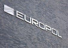 Fasad av den europol byggnaden i Haag Arkivbild