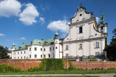 Fasad av den SKalka kyrkan i Cracow, Krakow, Polen fotografering för bildbyråer