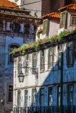 Fasad av det gamla huset i det Alfama området, Lissabon Royaltyfri Foto