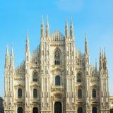Fasad av domkyrkan av Milano, Italien royaltyfria bilder