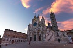 Fasad av domkyrkan av Siena, Italien Royaltyfri Fotografi