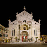 Fasad av domkyrkan av Verona royaltyfri foto