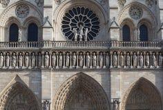 Fasad av domkyrkan Notre Dame de Paris Arkivfoton
