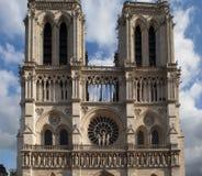 Fasad av domkyrkan Notre Dame de Paris Arkivbilder