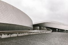 Fasad av en modern scandinavian byggnad fotografering för bildbyråer
