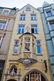 Fasad av en stadsbyggnad i Aachen Royaltyfria Foton