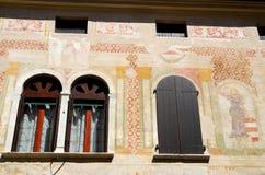 Fasad av ett hus i Motta di Livenza i landskapet av Treviso i Venetoen (Italien) Royaltyfria Bilder
