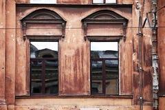Fasad av gammal byggnad i den historiska staden Royaltyfri Fotografi