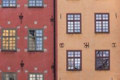 Fasad av hus på Stortorget, Stockholm Sverige royaltyfri bild