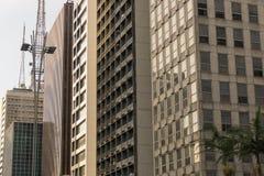 Fasad av kommersiella byggnader arkivbilder