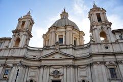 Fasad av kyrkan av Sant ` Agnese i Agone navonapiazza rome Arkivfoto