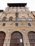 Fasad av Palazzo Davanzati i den Florence staden Royaltyfria Bilder