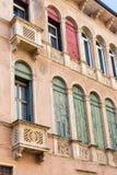 Fasad av palazzoen Negri De Salvi i Vicenza Arkivbild
