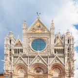 Fasad av Siena Cathedral Duomo di Siena, Italien Arkivfoto