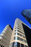Fasad av tekniskt avancerade stilbyggnader Arkivfoton