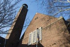 Fasad av Willem de Zwijgerkerk i Amsterdam - Nederländerna Arkivfoton