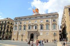 Fasad för Barcelona stadshusbyggnad i Barcelona Royaltyfria Bilder