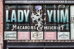 Fasad för fabrik för Macarons dam Yum i Seattle, Washington, USA arkivfoto