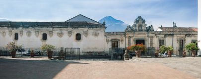 Fasad för sidogata av museet av koloniala konster, ett av honom Royaltyfria Foton