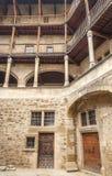 Fasad med balkongen Royaltyfri Foto