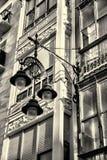 Fasad med gataljus Fotografering för Bildbyråer