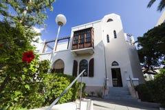 Fasad och ingång i det Bet Bialik House museet avivisrael telefon Royaltyfria Bilder